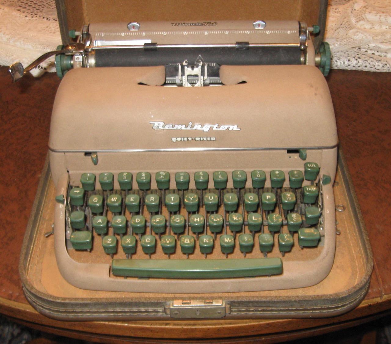 Repairing a 1957 Remington Quiet-Riter typewriter | What Da Bump